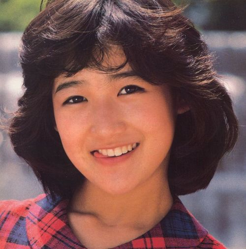 お茶目な印象の岡田有希子